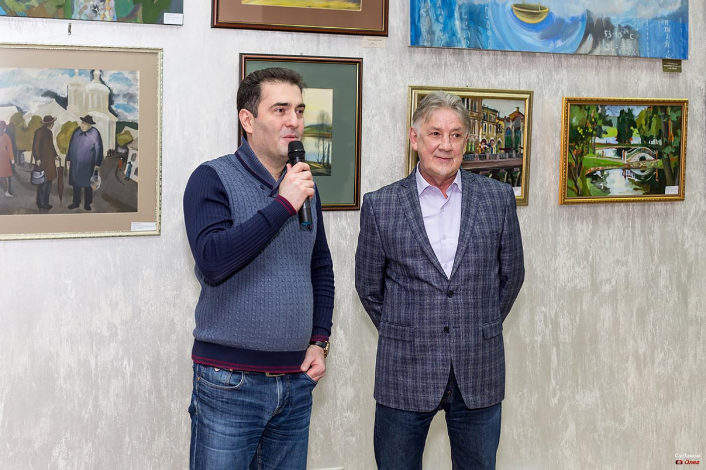 """Бизнес-клуб """"Империал"""": Художественная выставка"""