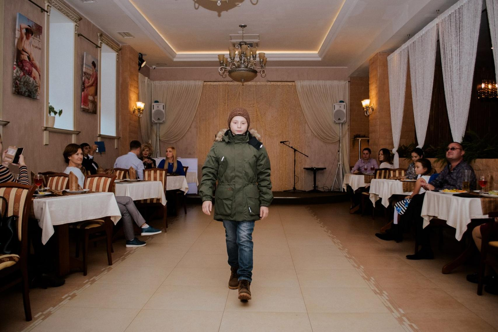 """Бизнес-клуб """"Империал"""": Показ детской одежды"""